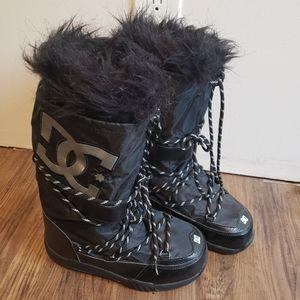 NWOT DC Chalet Boots size 6